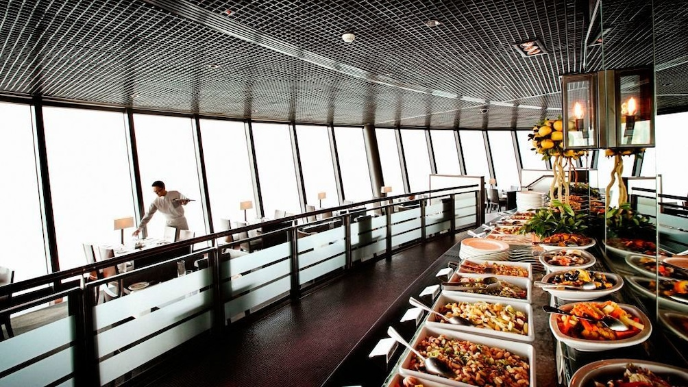 Tampilkan item 2 dari 5. The restaurant inside the Macau Tower