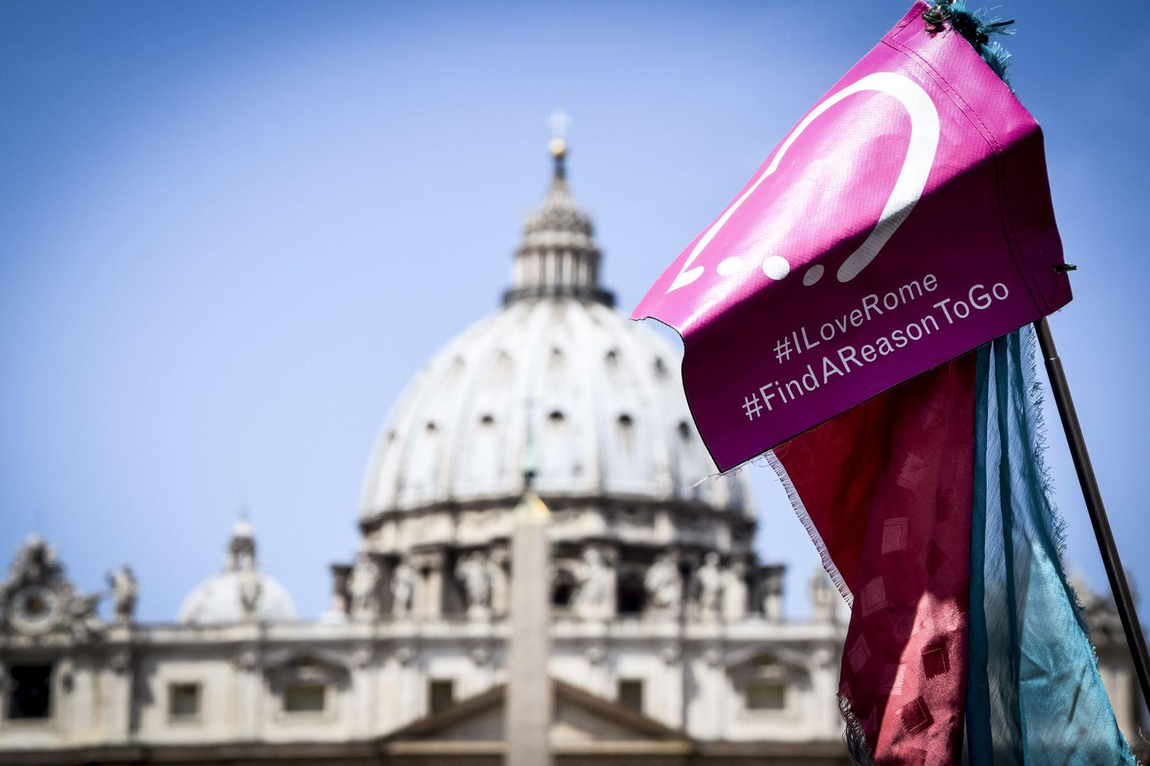 Combo Saver: Skip-The-Line Vatican & Colosseum Plus Ancient Rome Tour