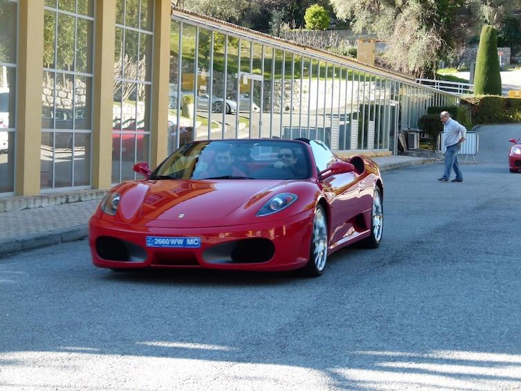 Charger l'élément 1 sur 4. Ferrari driving experience from Monaco