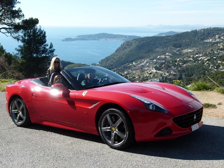 Charger l'élément 2 sur 4. Ferrari driving experience from Monaco
