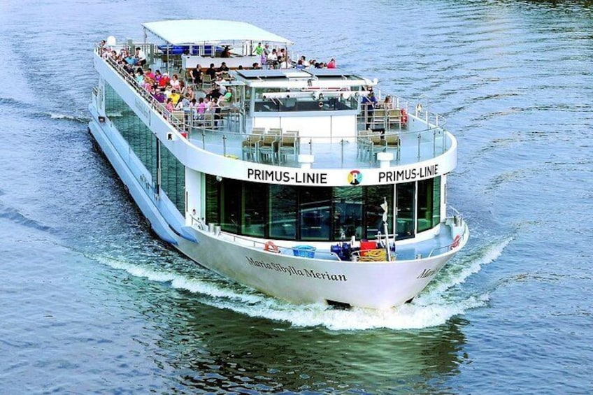 Sightseeing cruise in Frankfurt