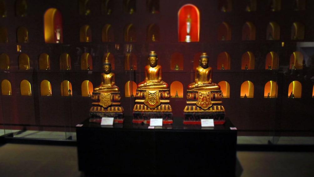 golden statues in Siam Reap