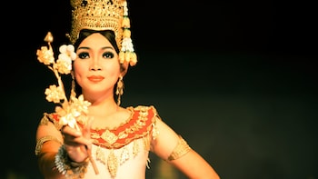 Apsara Dance Performance with Buffet Dinner at Amazon