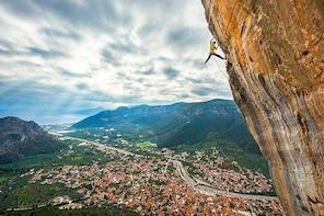 Climbing lesson at Leonidio climbing park