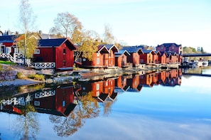 Daily Porvoo old town half-day tour