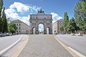 Private Transfer - Nuremberg to Munich-Optional Sightseeing