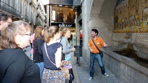 tour guide speaking to group Chocolate walking tour in Barcelona