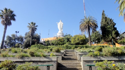 Large statue in city of Santiago