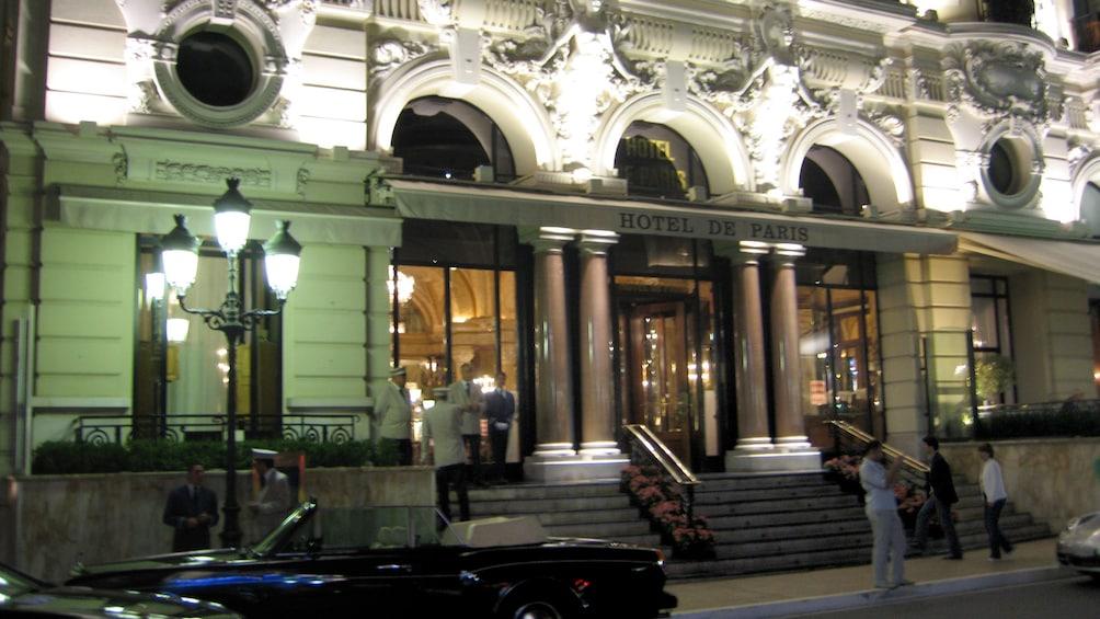 Charger l'élément 3 sur 5. Hotel de Paris in Cannes