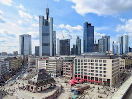 Private Transfer Nuremberg to Frankfurt Optional Sightseeing