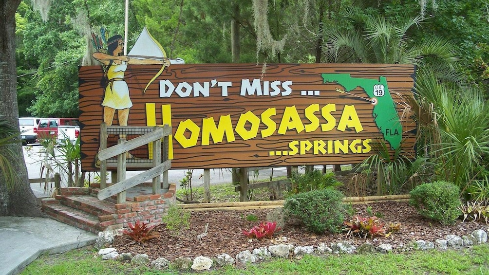 Show item 3 of 9. Entrance sign for Homosassa Springs state park in Orlando.