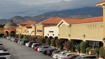 Shop Play At Cabazon Outlets