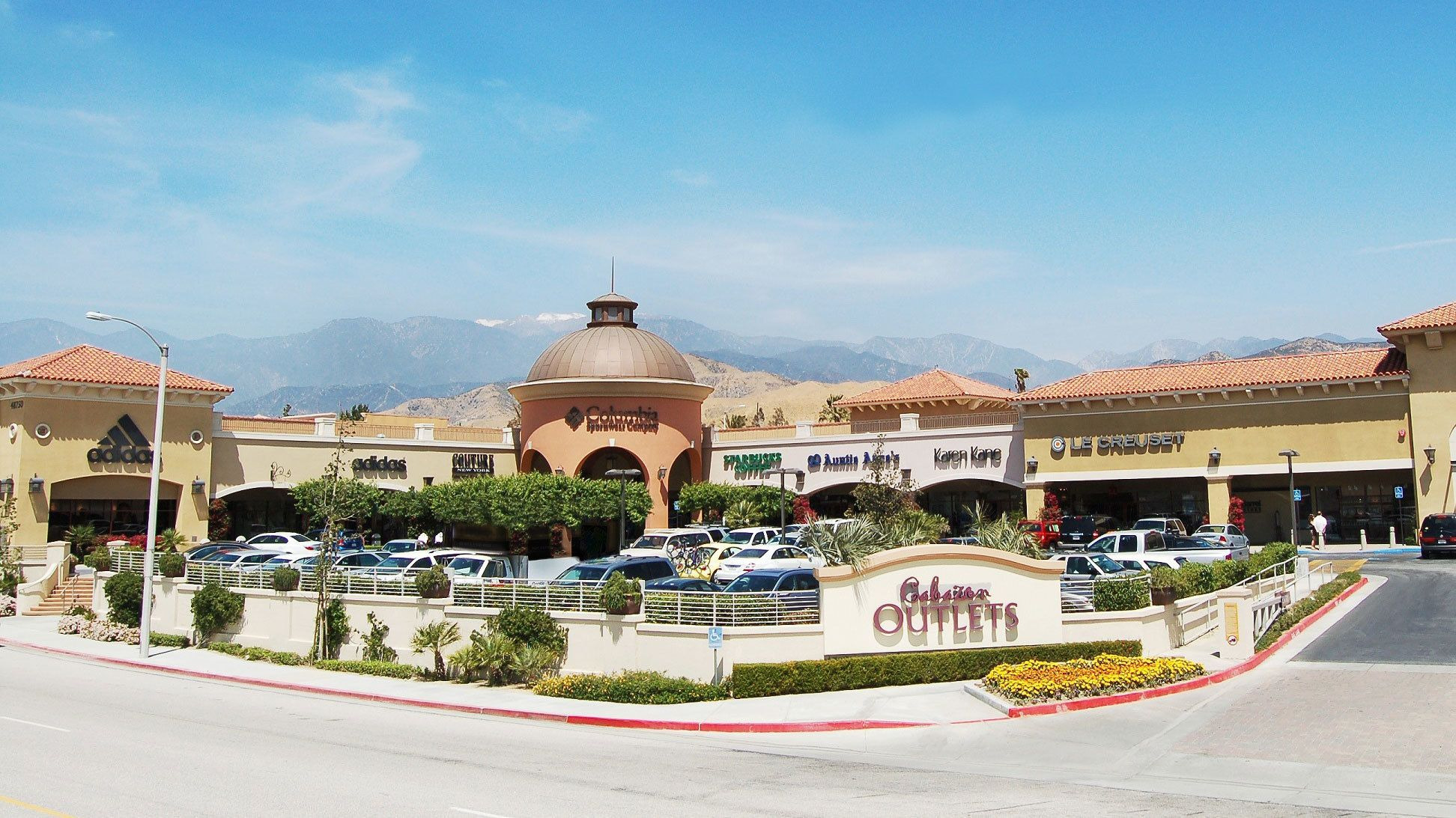 Cabazon Outlet stores in Palm Springs
