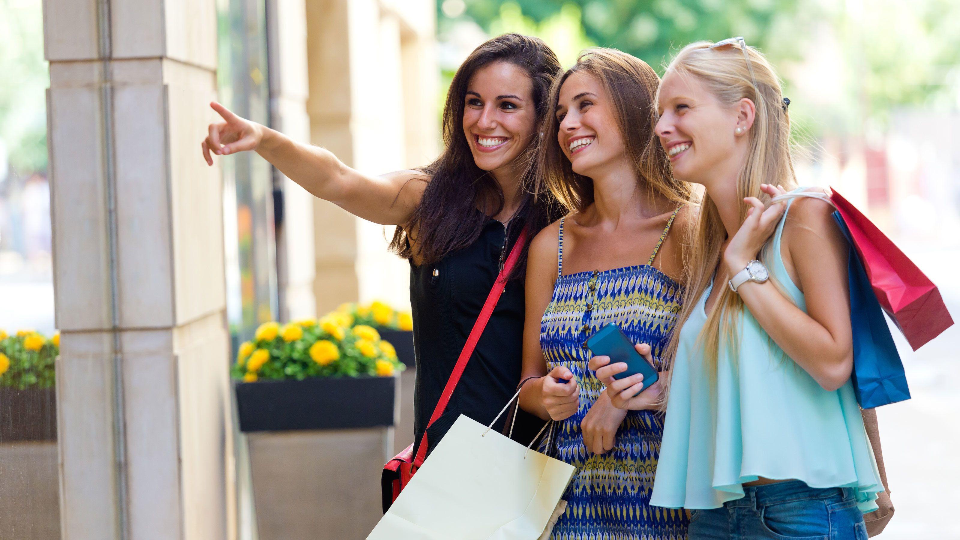 Girlfriend Getaway Package at Mall of America