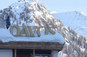 Ultra - Davos Private Airport Transfer from Davos to Zurich Airport