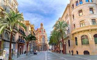 Valencia Customized Private Walking Tour with a Local