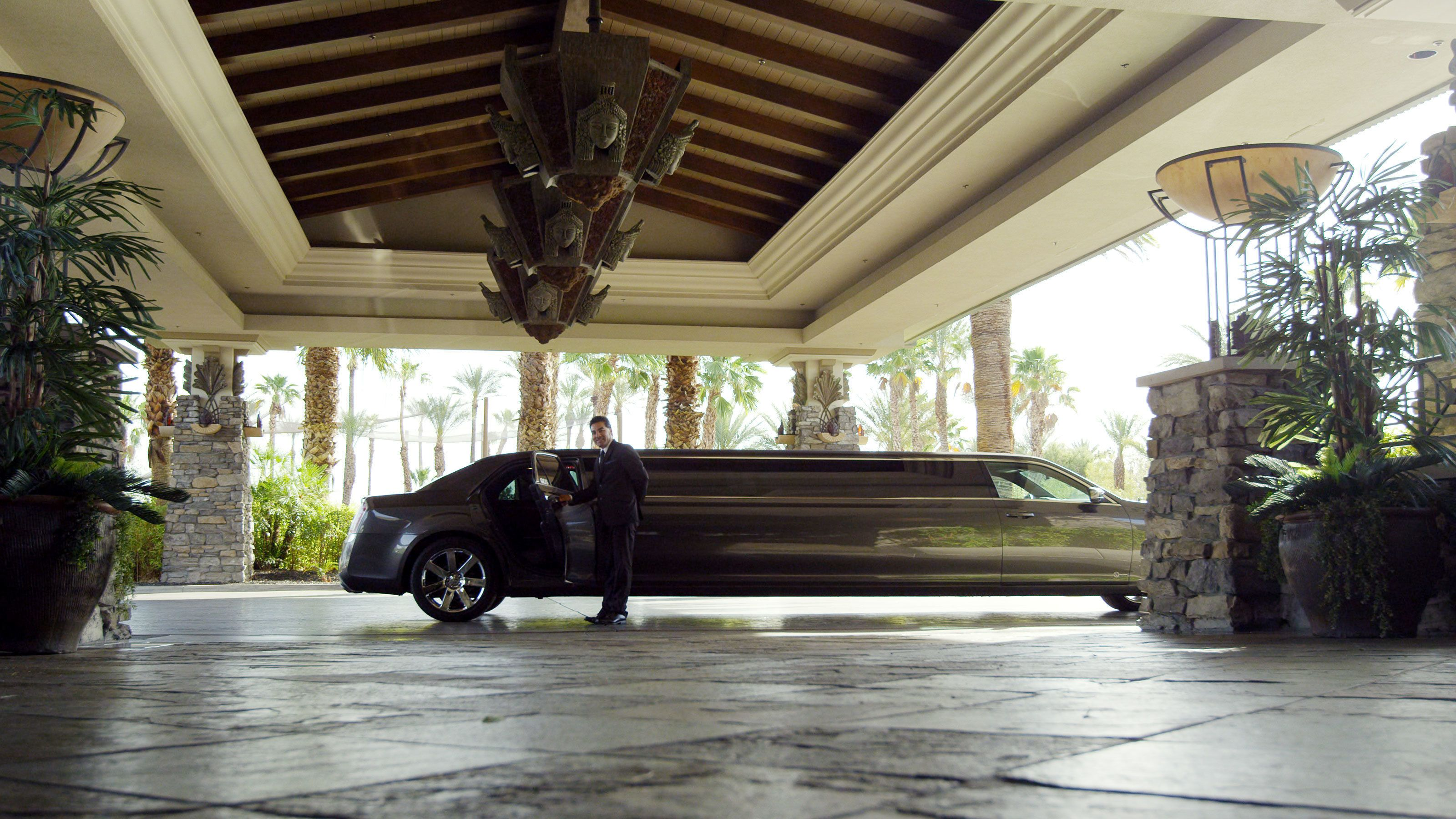 Limo picking up passengers from their Las Vegas hotels