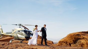 Valley of Fire Wedding with Limo & Champagne