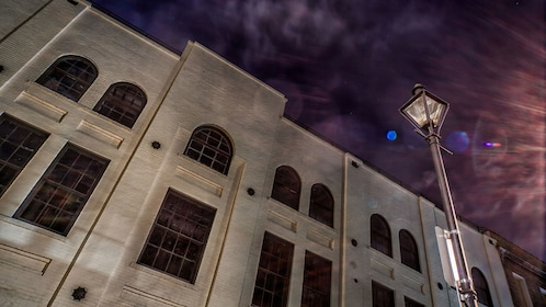 old building exterior at ghost tour in New Orleans