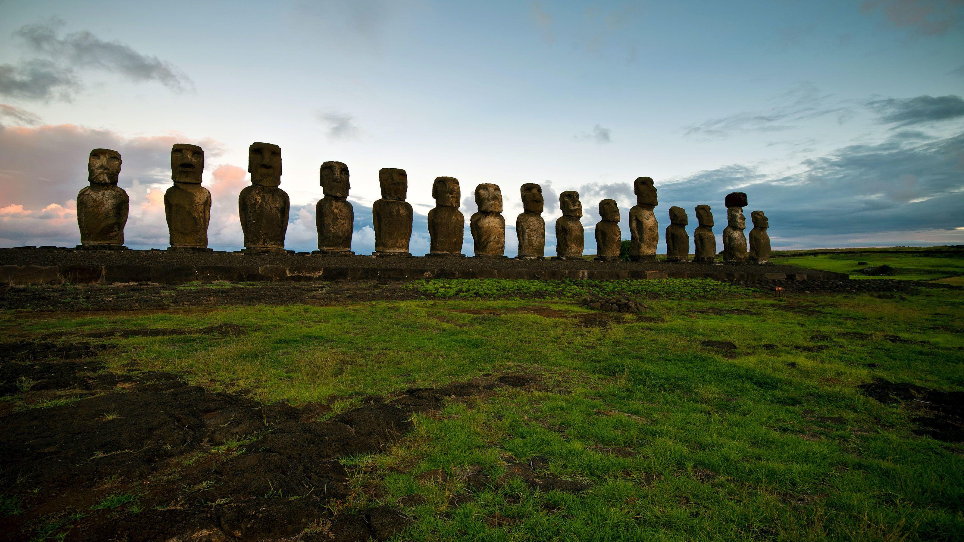 Rapa Nui Full-Day Tour Anakena