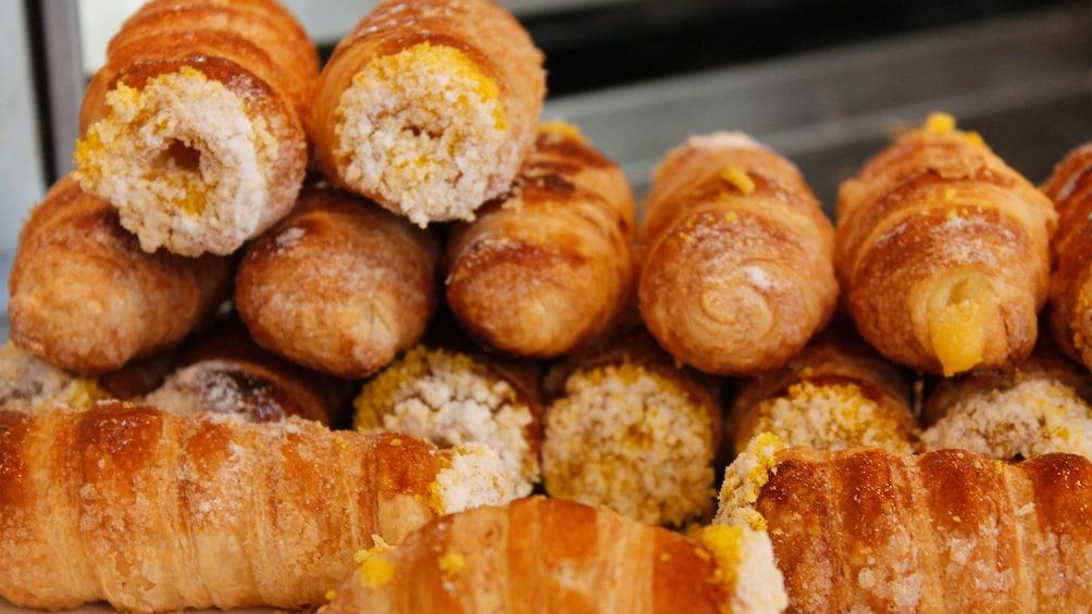Show item 3 of 10. bread in milan