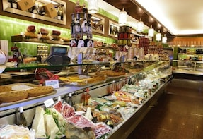 Food Walking Tour of Brera District