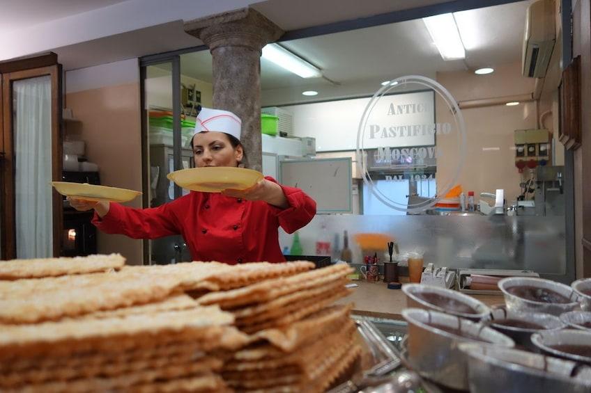 Apri foto 4 di 10. Milan Food Tour of Brera District