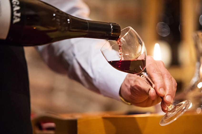 Apri foto 5 di 10. Milan Wine Tasting Experience with Expert Sommelier