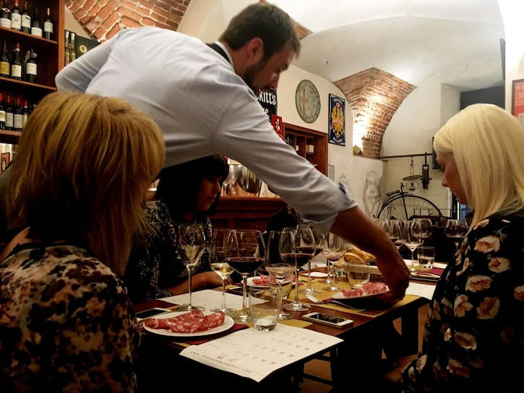 Apri foto 2 di 10. Milan Wine Tasting Experience with Expert Sommelier