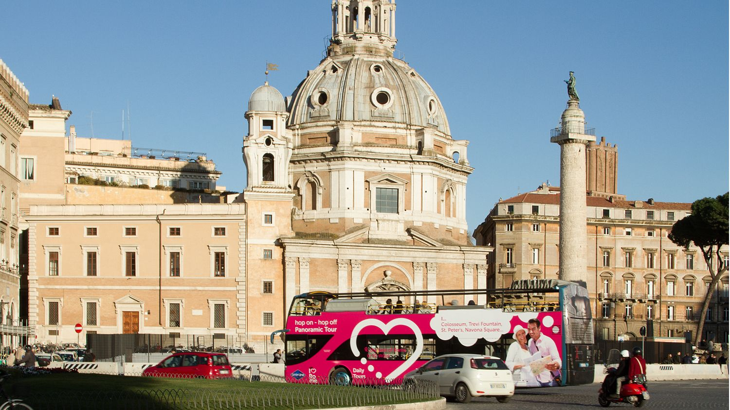 Photo of the tourbus circling the perimeter of the Vatican.