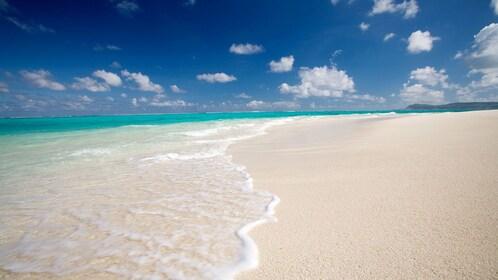 Clear view of the beach on Mañagaha Island in Saipan
