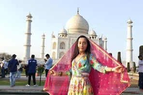 Private Agra Tour from Pune- All Inclusive