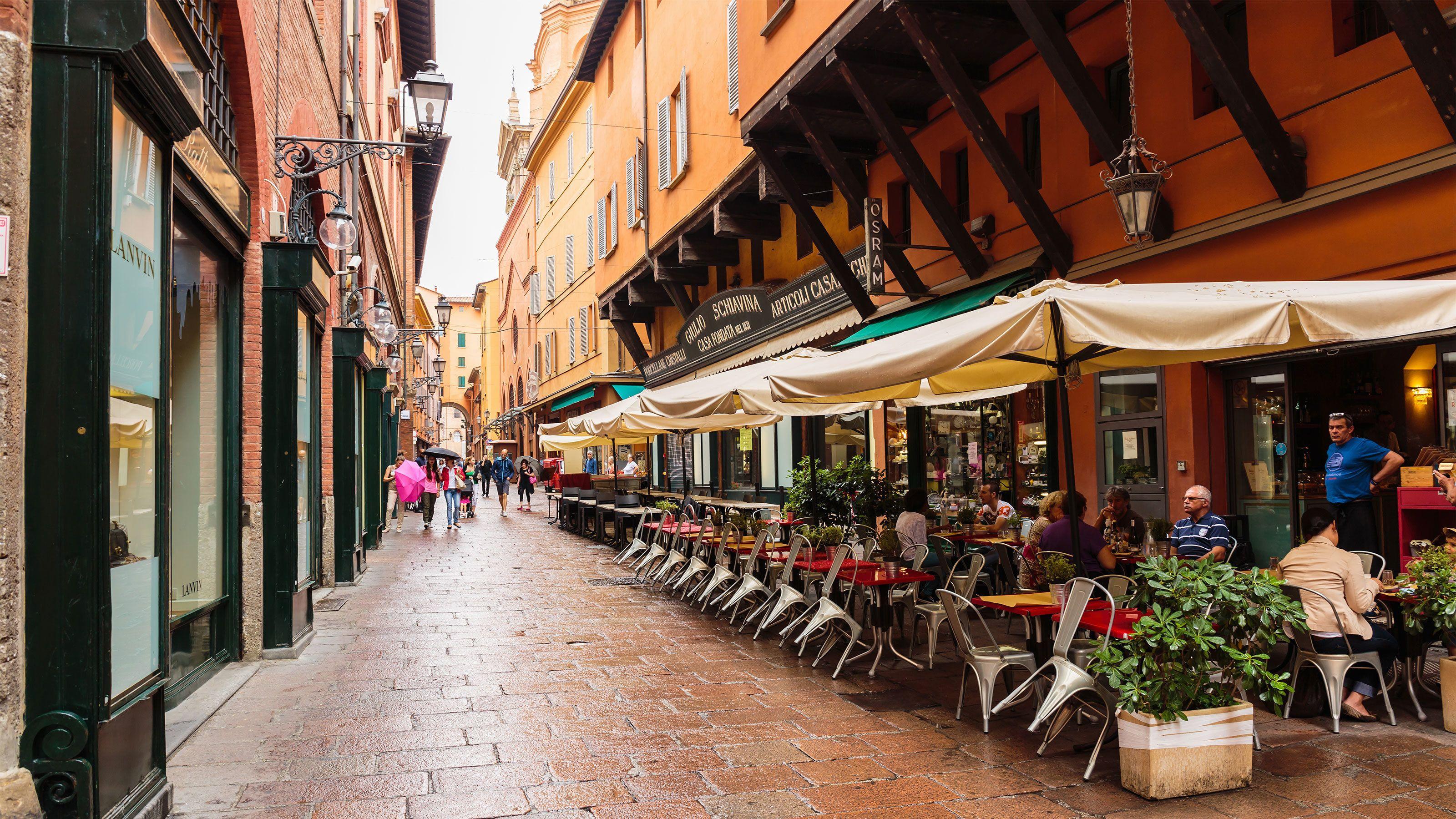 Tour enogastronomico privato a Bologna