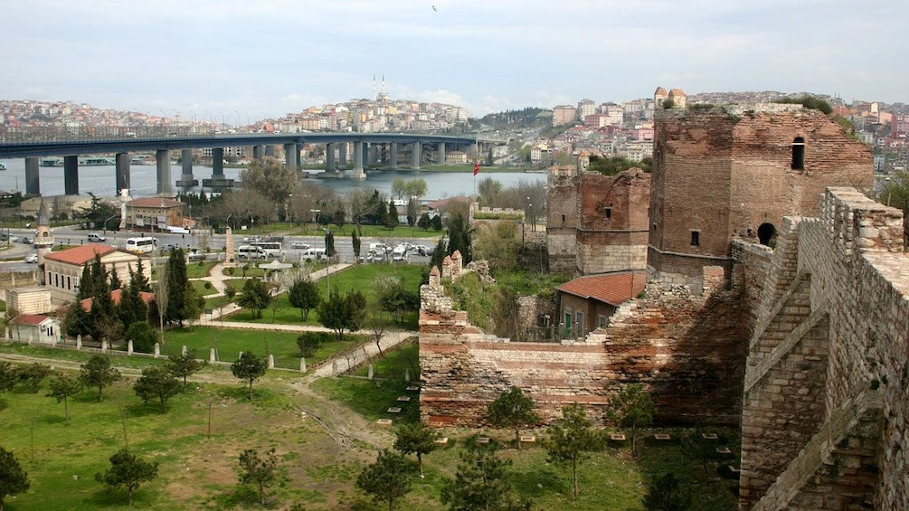 Carregar foto 1 de 5. Panoramic city view of Istanbul