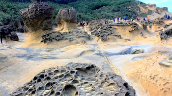 Yehliu Geopark & Northern Seacoast Tour