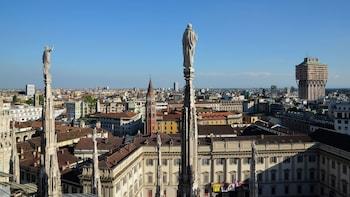 Combinatieaanbieding: toegang zonder wachtrij tot de Duomo en het dakterras