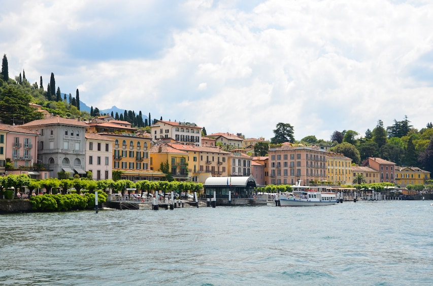 Apri foto 3 di 8. Best of Lake Como Experience from Milan, Cruise & Landscapes