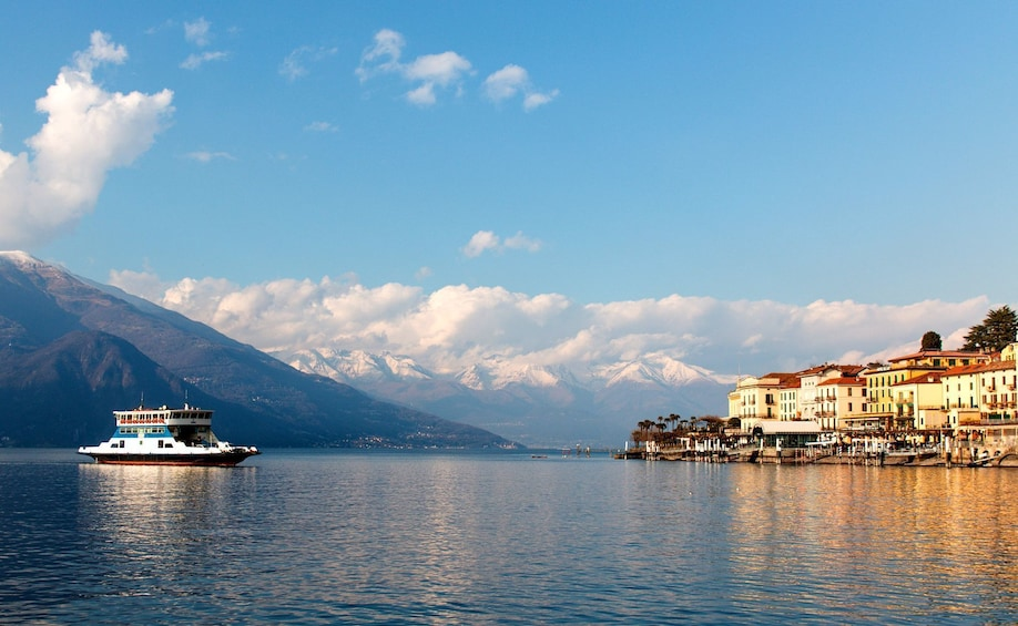 Apri foto 2 di 8. Best of Lake Como Experience from Milan, Cruise & Landscapes