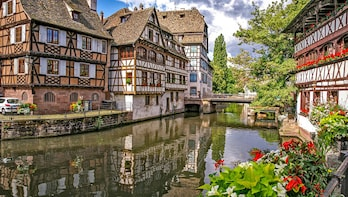 Architectural Walk of Strasbourg with a Local