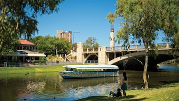 Adelaide City Highlights Half Day Tour