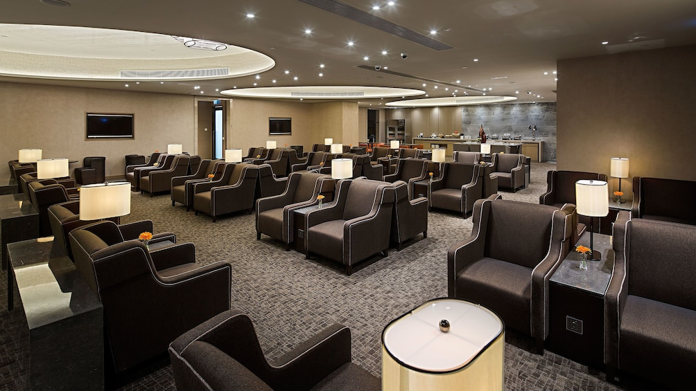แสดงภาพที่ 5 จาก 5 The seating area at Macau International Airport Lounge