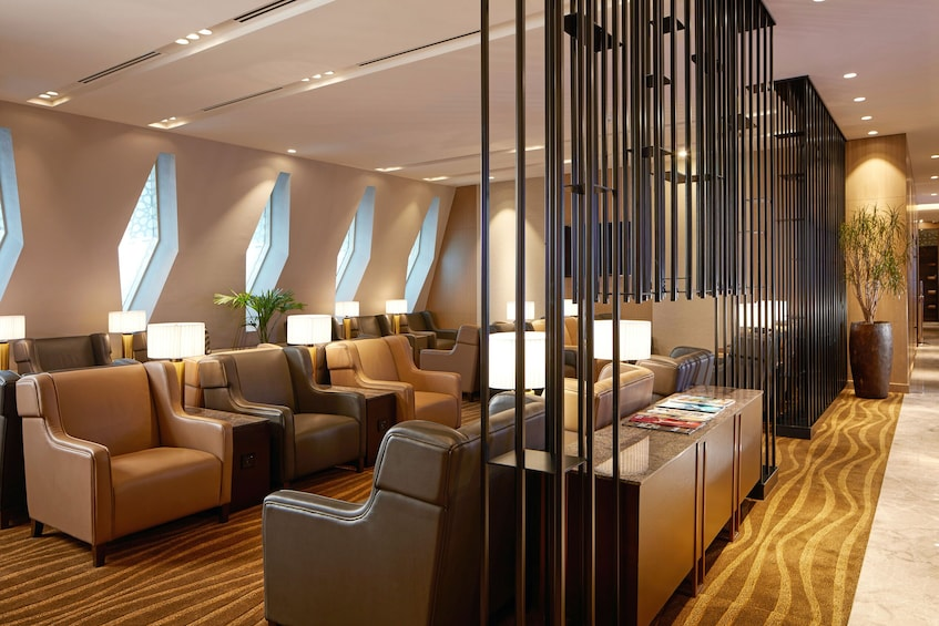Foto 1 von 7 laden Plaza Premium Lounge at Abu Dhabi International Airport (AUH)