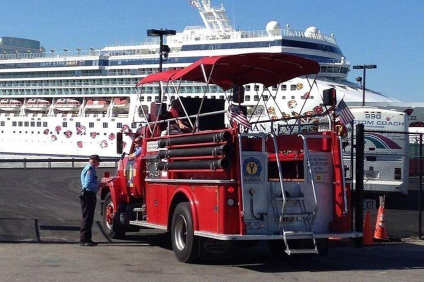 Private Vintage Fire Truck Sightseeing Tour of Portland Maine (Min-2 pax)