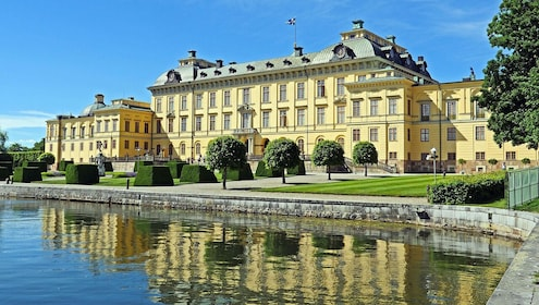 Historical Walk through Stockholm with a Local