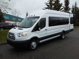 Private Calgary Airport 14 Passengers Charter BUS