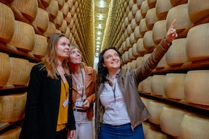 Modena Food & History Private Day Trip: Highlights, Cheese