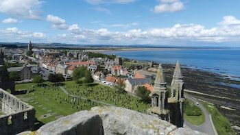 Small-Group St. Andrews & Fishing Villages of Fife Full-Day Tour