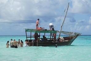 Full Day Group tour To Mnemba Island For Snorkelling Activities