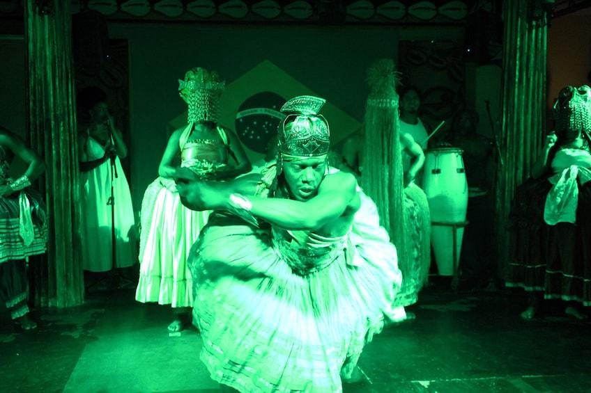 Carregar foto 5 de 10. Bahia by Night Dinner Show