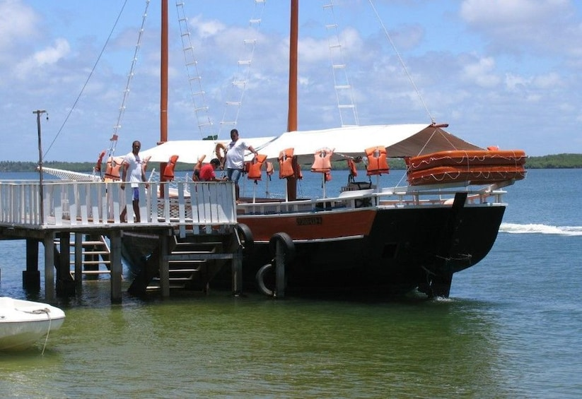 Show item 2 of 9. Mangue Seco Day Trip: Boat Ride, Sand Dunes and Swimming